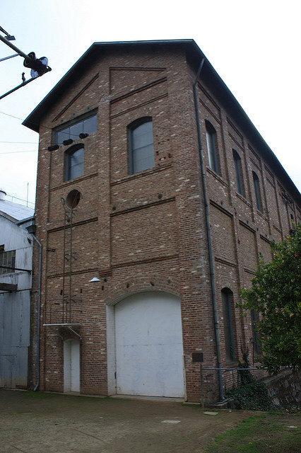 Folsom Powerhouse sealed doors. Author:Nick AresCC BY-SA 2.0