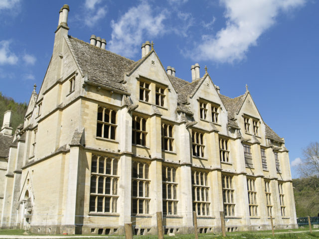 It is one of the most mysterious haunted houses in England. Author: Matthew Lister Ttamhew. CC BY-SA 3.0