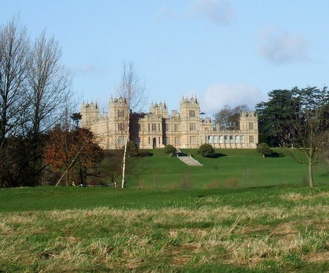 Mentmore Towers from the Golf Course. Author: Rob Farrow. CC BY-SA 2.0
