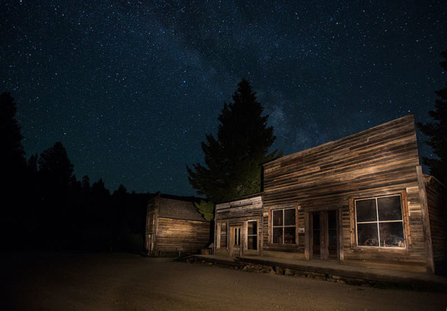 Night photograph of a different abandoned building. Author: Bureau of Land Management – Garnet Ghost Town, Montana Public Domain