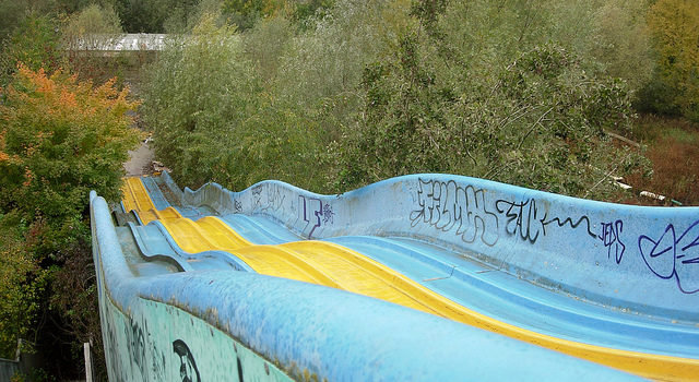 One of the many slides in the park. Author: nnes. CC BY-SA 2.0