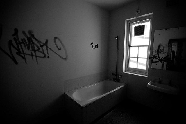 Surprisingly well-preserved bathroom.Author:Nate Robert CC BY 2.0