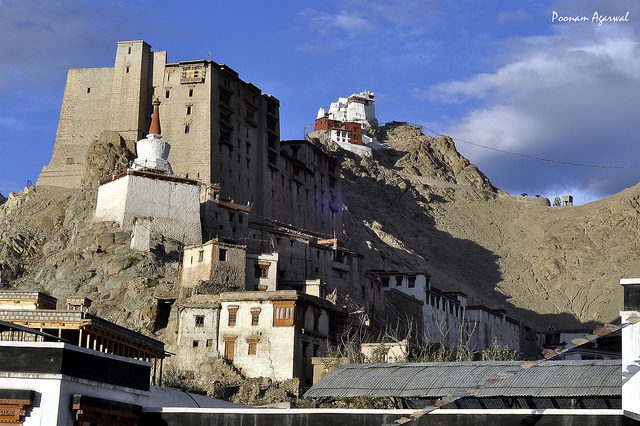 The abandoned Leh Palace. Author: Poonam Agarwal. CC BY 2.0