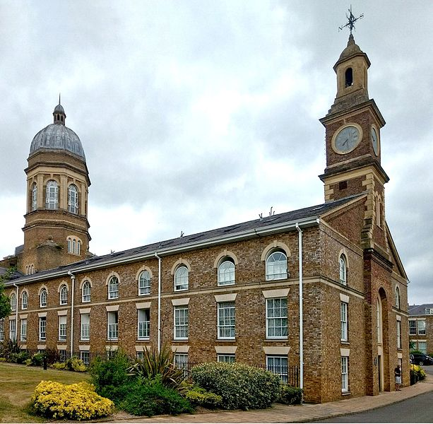 The Clock Tower at the rear. Author:PhilafrenzyCC BY-SA 4.0
