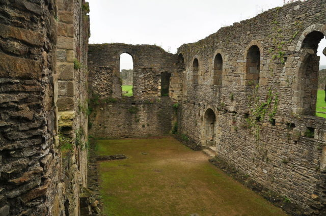 Construction began around 1070 under the orders of Allan the Red. Author: Nilfanion. CC BY-SA 4.0