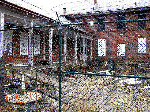 The courtyard of an abandoned building. Author: Mike CC BY-ND 2.0