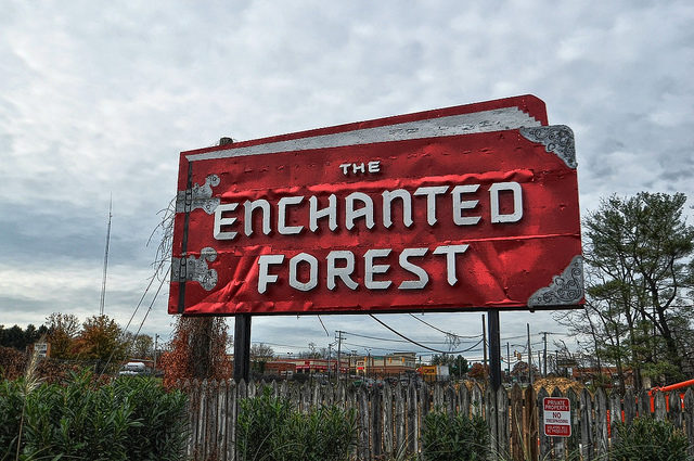 The Enchanted Forest sign. Author:Forsaken FotosCC BY 2.0