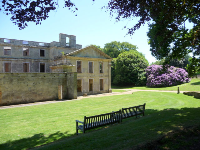 The estate is open to the public, and it is a popular place for family picnics. Author: Christine Matthews. CC BY-SA 2.0