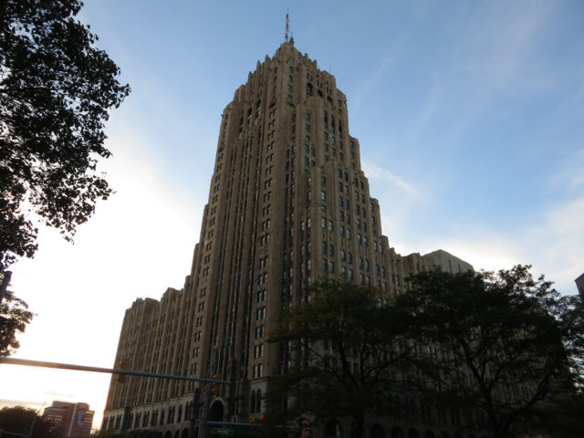 The Fisher Building. Author:Ken LundCC BY-SA 2.0