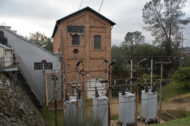 The Folsom Powerhouse. Author:Nick AresCC BY-SA 2.0