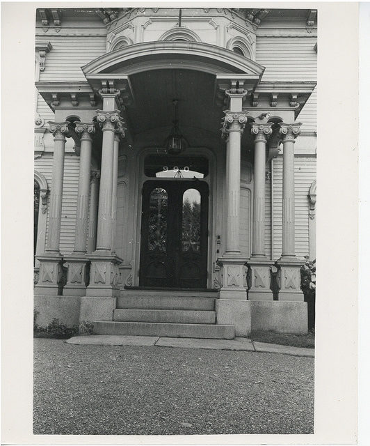 The front entrance. Author:City of Boston ArchivesCC BY-SA 2.0
