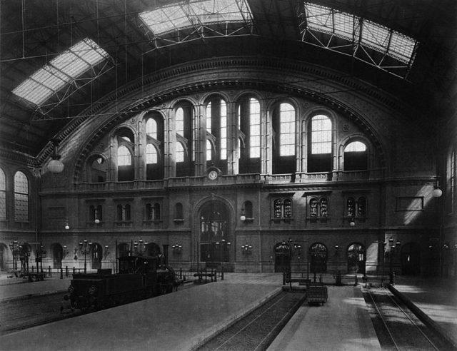 The interior of the station. Author:Hermman RückwardtPublic domain