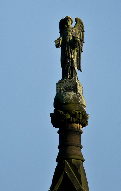 The statue on the top of the hospital. Author:paulCC BY 2.0