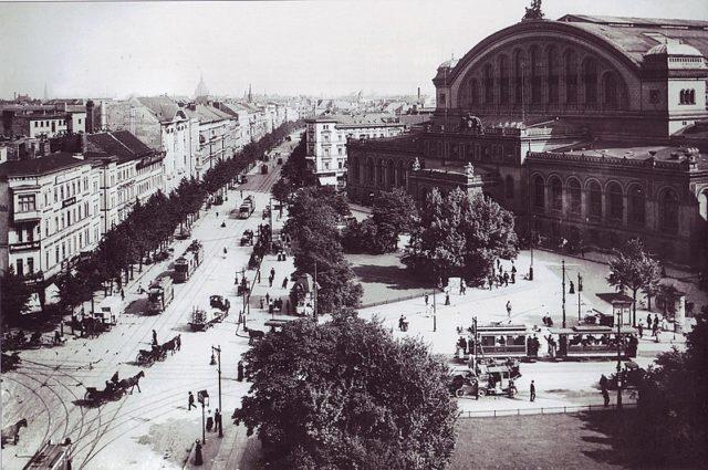 The train station in 1910. Author:Waldemar Franz Hermann TitzenthalerPublic Domain