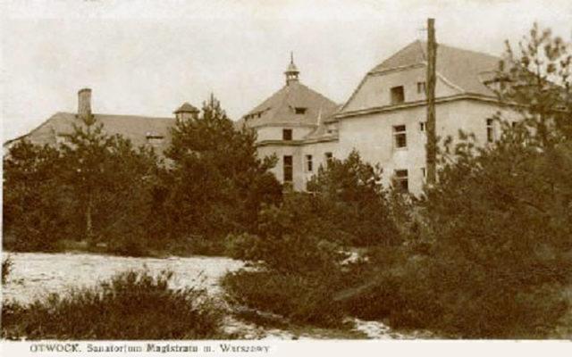 The Zofiowka Sanatorium back in its days. Author:Unknown – stare Fotografie OtwockaPublic Domain