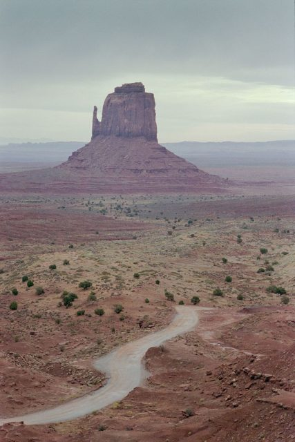 East Mitten Butte in Monument Valley Navajo Tribal Park in northeast Arizona. Author: Nicholas Hartmann. CC BY-SA 4.0