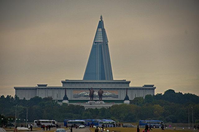 Ryugyong Hotel in Pyongyang, North Korea – Author: Uwe Brodrecht – CC BY 2.0