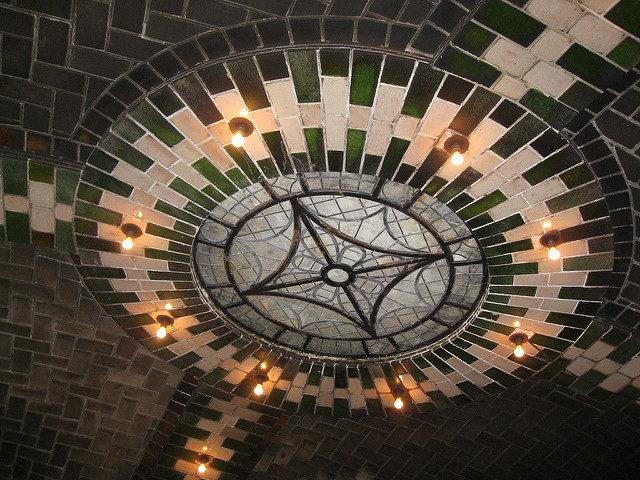 City Hall Subway Station ceiling – Author: Salim Virji – CC BY 2.0