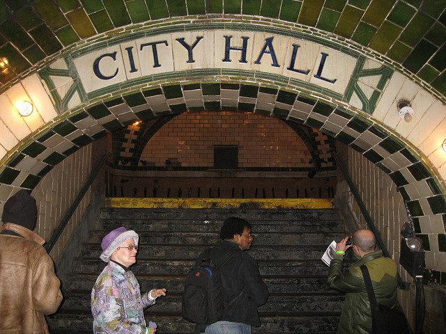 City Hall Subway Station – Author: Salim Virji – CC BY 2.0