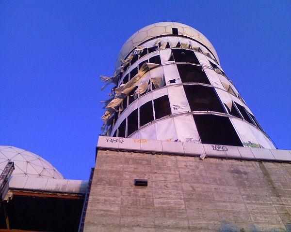 Teufelsberg, former USA interception building, photo taken in 2007.