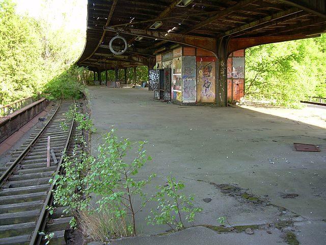 Abandoned Siemensstadt train stop on the S-Bahn.