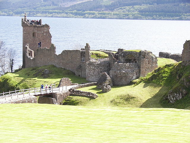 Urquhart Castle on Loch Ness Author: Wknight94 – CC BY-SA 3.0
