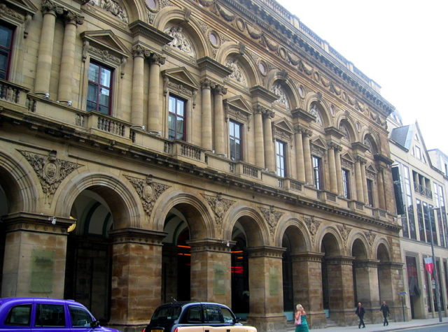 Free Trade Hall, Manchester, UK. Surviving facade. Author: Guy Hatton. CC BY-SA 2.5