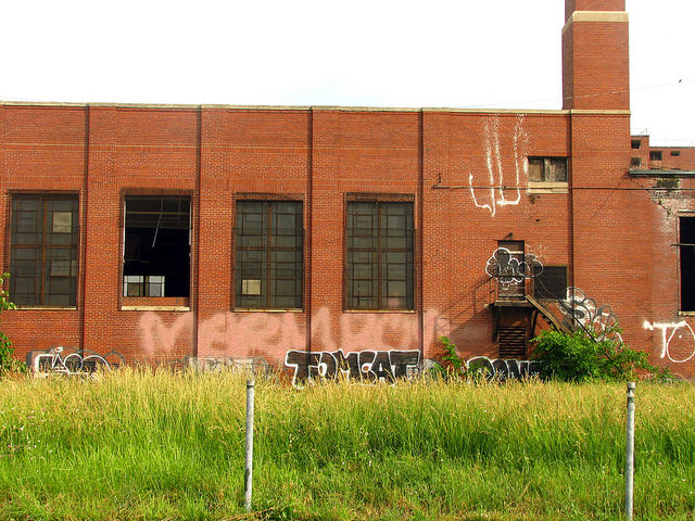 Behind the Brewster-Wheeler Recreation Centre. Author:Dave HoggCC BY 2.0