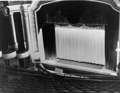 The Capitol Cinema auditorium in 1943. Author: Chris Lund. Public Domain