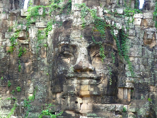 It is a fascinating monument carved with many reliefs and sacred inscriptions. Author: michael clarke stuff. CC BY-SA 2.0