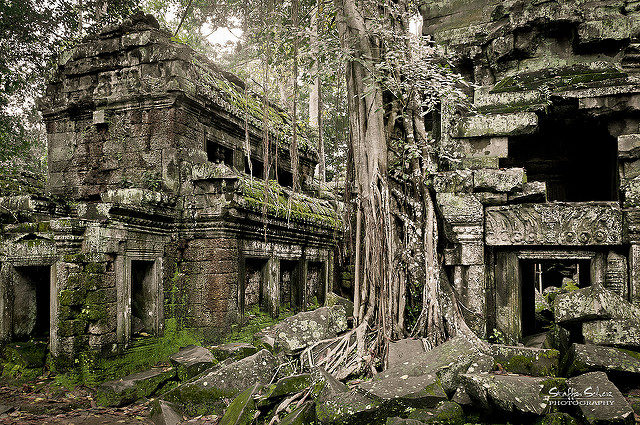 It is the largest temple in the Angkor complex. Author: Staffan Scherz. CC BY 2.0