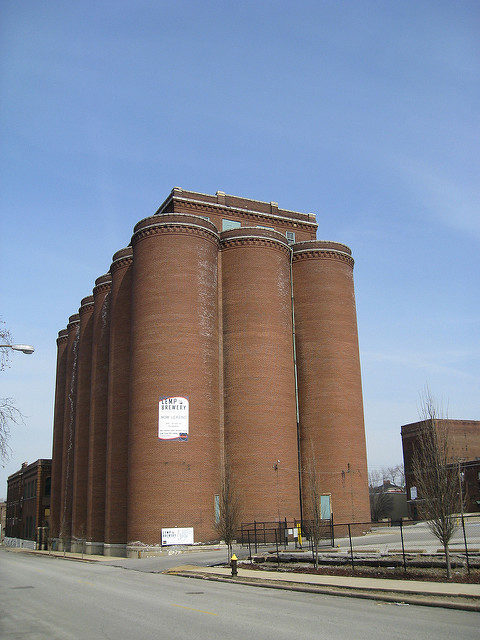 Lemp Brewery silos. Author:Chris YunkerCC BY 2.0
