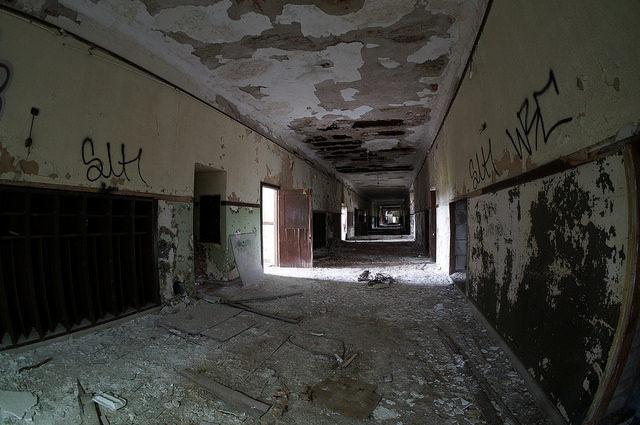 Long forgotten corridor. Author:Cory SeamerCC BY 2.0