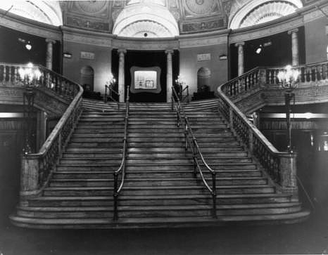 Capitol Cinema lobby. Author: Chris Lund, Nov. 1943. Public Domain
