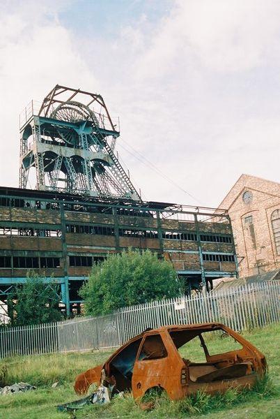 Photo of the Hesketh shaft. Author:Alan Murray-RustCC BY-SA 2.0