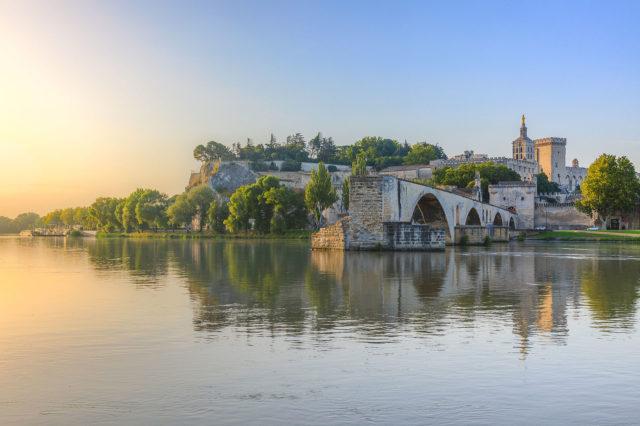 Pont Saint-Bénézet in Avignon. Author: Chiugoran. CC BY-SA 3.0