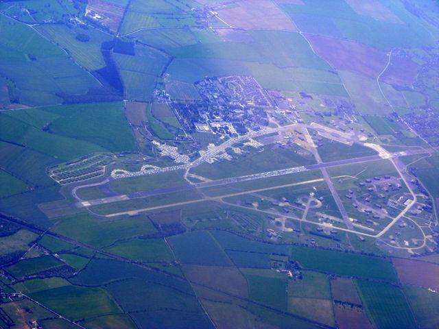 RAF Upper Heyford from the air. Author:Thomas NugentCC BY-SA 2.0