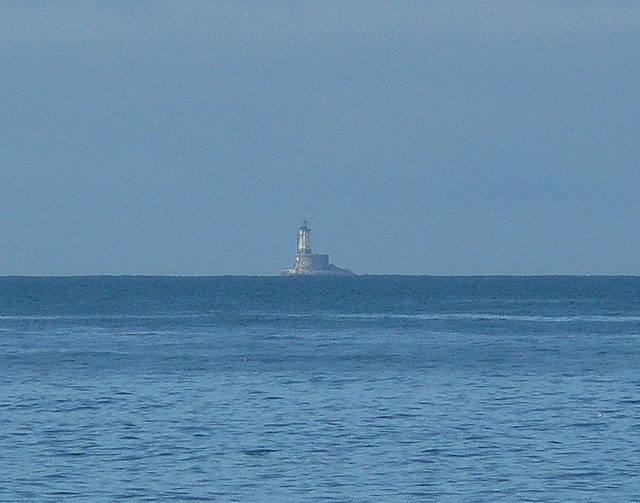 St George Reef Lighthouse in the distance. Author:docentjoyceCC-BY 2.0