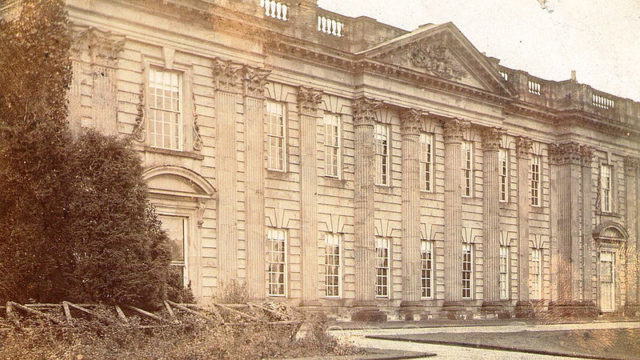 Sutton Scarsdale Hall in 1900. Author:Unknown – Extract from a historical photo