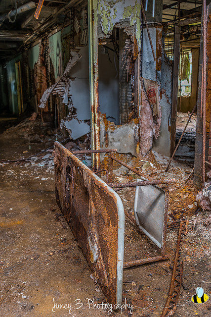 The interior in a desperate state. Author: Amanda CC BY-ND 2.0