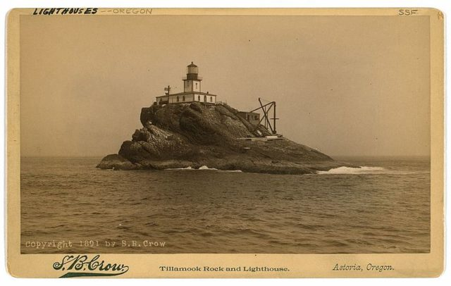 The lighthouse photo from 1901. Author:S. B. Crow, Astoria, OregonPublic Domain