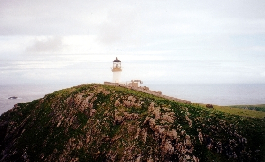 The lighthouse during fog. Author: CartoonPeril2011CC BY-SA 2.0