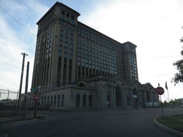 The Michigan Central Station. Author:Ken LundCC BY-SA 2.0
