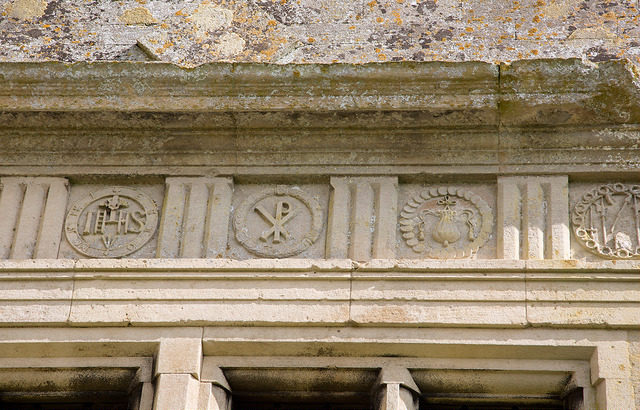 The ornaments on the façade. Author:Nick HubbardCC BY 2.0