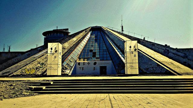 The Pyramid of Tirana. Author:SarahTzCC BY 2.0