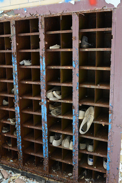The shoes remain where they have left them 10 years ago. Author:Cory SeamerCC BY 2.0