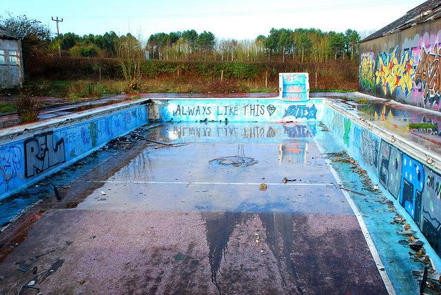The swimming pool. Author:Richard SzwejkowskiCC BY-SA 2.0