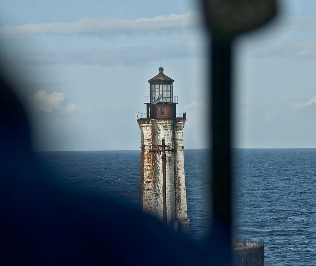 The wave-washed St George Reef Lighthouse different angle. Author:Anita RitenourCC BY 2.0