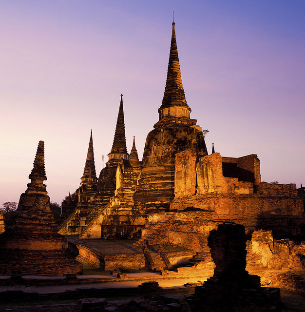 Wat Phra Si Sanphet at night. Author:Terra EducationCC BY 2.0