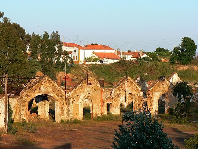 São Domingo mine village houses – Author: Paulo Juntas – CC BY-SA 2.5